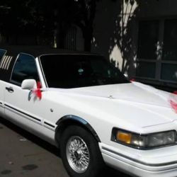 Lincoln Town Car BlackRoof