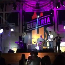 Greek 4U Live Band @ Berăria H...